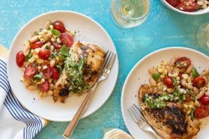 CHICKEN BREASTS WITH WHITE BEANS AND GREEN SALSA