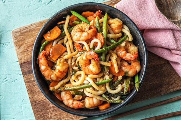 One-Pan Shrimp Lo Mein with Udon Noodles and Green Beans